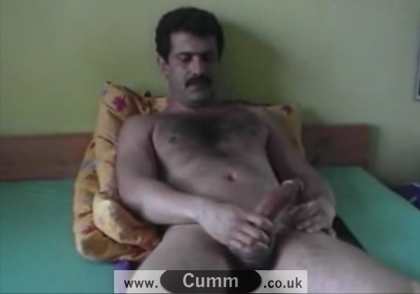 How do Turkish Men Wank
